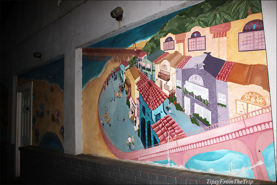 Capitola murals by Beth Clevenstine.