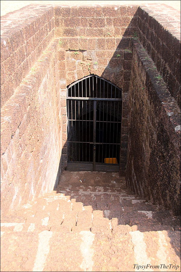 Steps to the well, Mirjan Fort