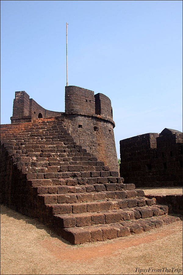Watch tower, Mirjan Fort