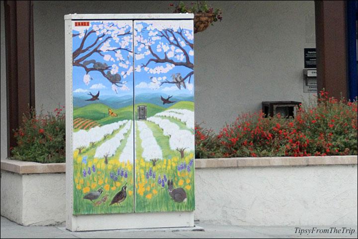 Utility box art in Saratoga, CA